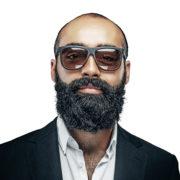 усы и борода_мужчина лет сорока